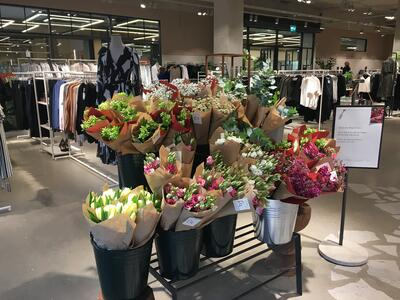 H&M Hammersmith Concept Store - Flowers